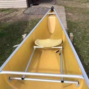 Wenonah Minnesota II – Kevlar Ultralight, Silver Trim, Kevlar Bucket; Sliding Bow & Stern Seats, Skid Plates – Blem